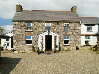 Traditional 6 bedroom farmhouse close sandy beaches and Haverfordwest