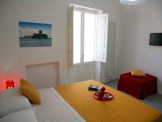 bellissimo appartamento centro citta 50 mt. dal mare wifi gratuito