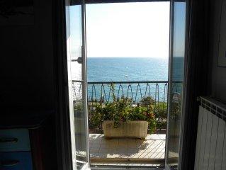 Appartamento vista mare vicino alle spiagge (100 m)