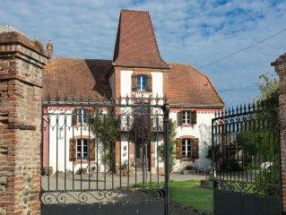 Lourdes/Tarbes/Larreule detached farmhouse