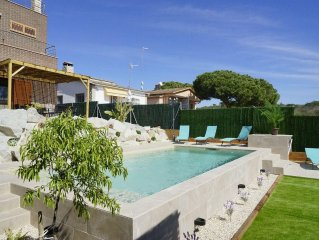 Traumhaus mit Privat-Pool, strandnah, familienfreundlich, Garten, BBQ, Garage