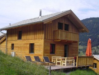 Ideal wooden house on the outskirts of the forest, 300m to the skiing slopes