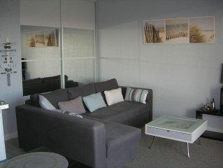 Appartement 35 m2 tout confort (avec wifi et climatisation) vue sur le village
