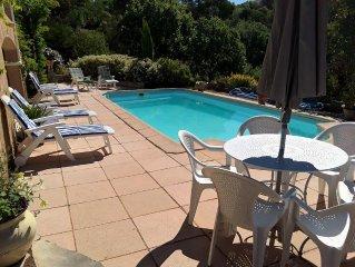 TRES JOLIE MAISON PROVENCALE de 130m2 avec piscine et climatisation