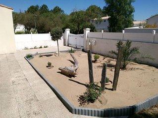 Villa agreable a 300 metres de la plage de la Griere pour 6 personnes