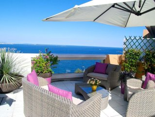 Superbe villa sur le toit face mer, 2 ch, terrasse 130m2, piscine, wif