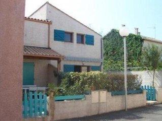 Villa dans residence a Portiragnes-plage a 100m de la mer. Confort,parking prive