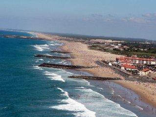 Ideal vacances, plage pied résidence, terrasse vue mer