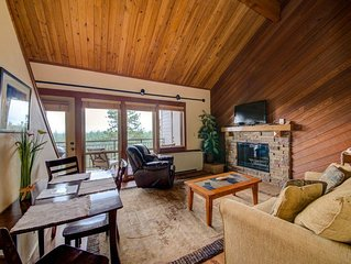 Lovely Updated 2 Bedroom Condo at Seventh Mountain Resort