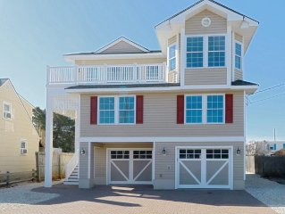 NEW!  Surf City Ocean Block, 5 Bedrooms With Heated Pool And Elevator