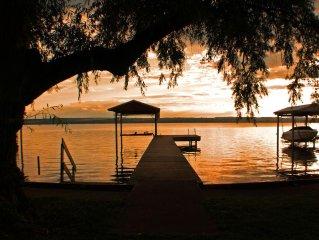 Seneca Sunsets 4 Bd, 2 Ba Cottage Seneca Lake E Shore, Sleeps 8, Boat Lift, AC