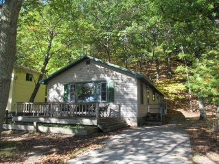 Knotty Pine Cottage Across From Portage Lake And Steps From Lake Michigan & Ppi