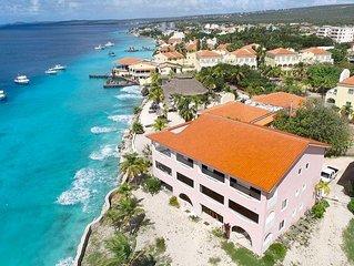 Blue Zone * Sand Dollar - Oceanfront Luxury Suite in Diving Resort