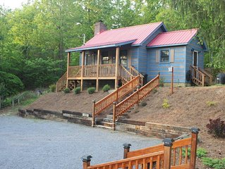 Quiet & Quaint Cabin, 1 BR/1 BA, Front Porch, Pet Friendly