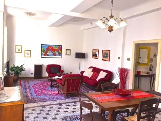 Charming and large Apt with Terrace And Elevator