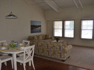 The Staterooms 2P, Newly Built, Lake View, Seasonal Heated Pool, Near State Park