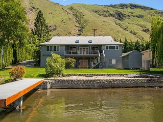 Outstanding Lake Entiat Vacation Home with big private dock & boatramp