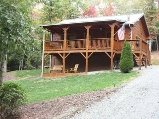 Rustic Smoky Mountain Log Cabin