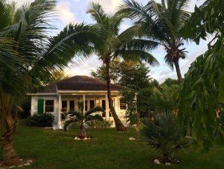 Touchstone's Cottage on 1 acre , Beachside, Tropical Property