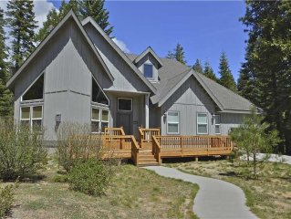 Walton's Mountain: 3 BR / 2 BA  in Shaver Lake, Sleeps 11