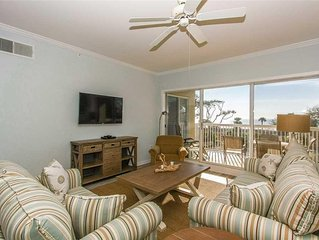 Coastal Chic 3 Bedroom Oceanfront View Condo with Private Balcony