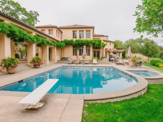Luxurious Wine Country Villa, Family friendly, Rental Car available