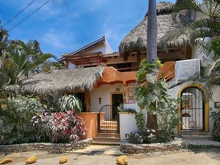 Casa Dos Amigos Abajo, in town and by the beach