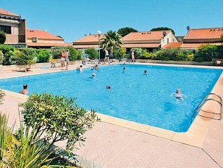 Apartment in Gruissan, Languedoc - Roussillon - 6 persons, 2 bedrooms