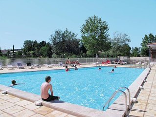 Apartment Les Rives du Lac  in St. Saturnin - les - Avignon, Aix Avignon surrou
