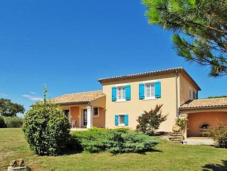 Vacation home in Valreas, Mont Ventoux surroundings - 8 persons, 4 bedrooms