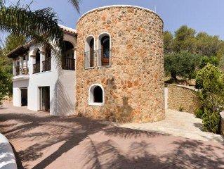 Schone Ferienvilla im Herzen Ibizas mit Pool und Fitnessraum