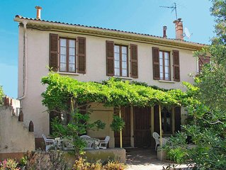 Vacation home in Giens, Cote d'Azur - 6 persons, 3 bedrooms