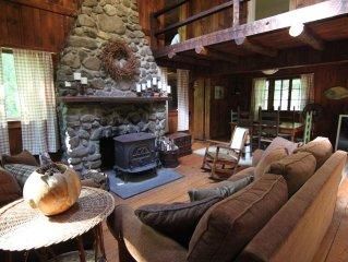 Rustic Catskills Cabin, on 3 private acres, between Woodstock & Phoenicia