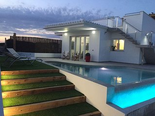 townhouse with garden located in a villa overlooking the sea acantlado