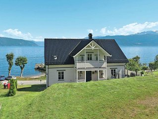 Vacation home in Balestrand, Western Norway - 9 persons, 6 bedrooms