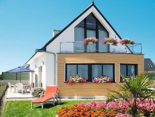 Vacation home in St. Pol de Leon, Finistere - 6 persons, 3 bedrooms