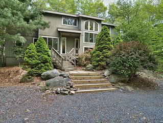 Beautiful, Large Lakefront Home in Lake Naomi/Timber Trails