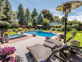 Walk to Downtown, Heated, Saltwater Swimming Pool, Hot Tub, Steps from Park
