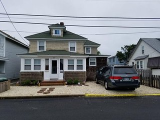 Family Friendly 4/5 Bedroom 2 Bath Shore House 7th House From The Beach!
