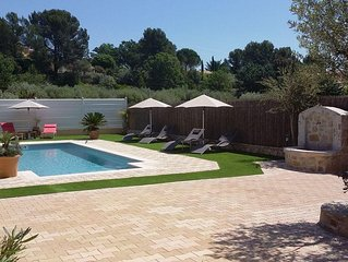 Family friendly villa  just 10 minutes walk from beautiful provencal village
