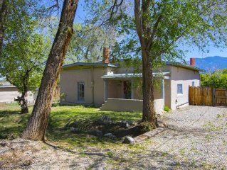 Historic Adobe Casitas Close To Downtown/plaza With Mountain Views And Hot Tub