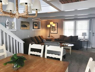Eat, Sleep, Beach Cottage~Amazing Location~Steps to the Beach