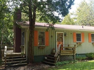 New Listing: Pine Cone Cottage, Great Location