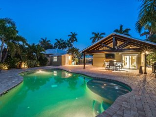 A Bungalow in Paradise! Large Pool! Pets Welcome