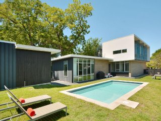 Multilevel Modern: Partial City Views - 1 Blk to SouthCongress: w/SWIMMING POOL