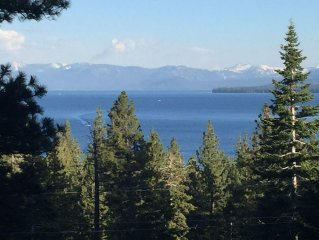 Tahoe City Cabin~Spectacular Lake View! Walk to Lake and City * WIFI*