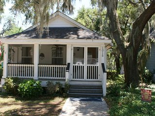Cozy Port Royal Cottage, 2 miles from Parris Island Marine Base near Beaufort SC