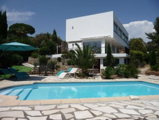 Golfe de St Tropez - Large Modern Villa + Private Pool + Sea View- Sleeps 10