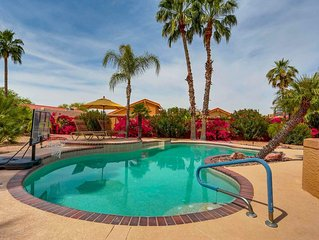 Resort, Golf Cart, private Pool, 3 KING BDR, w/Baths, 2 G.C.'s, 2 Clubhouses