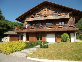 Chalet 4***, coeur de village, decoration cosy, spa, garage, WIFI